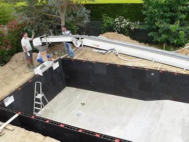 Caracter sticas piscina prefabricada construcci n o for Kit piscina hormigon