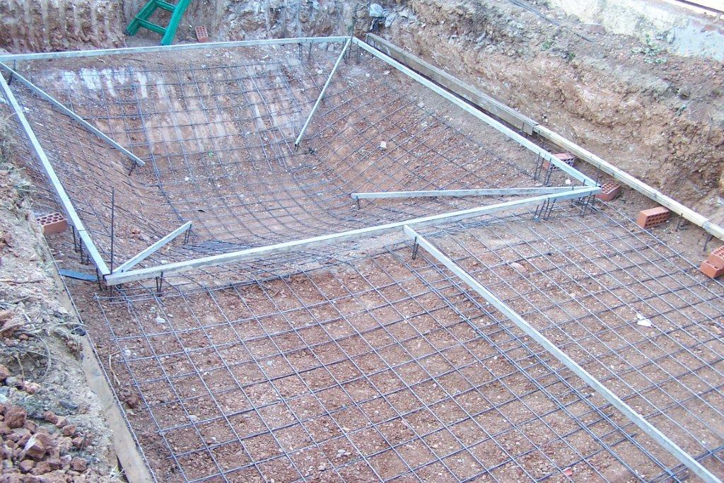 Galer a fotos montaje kit piscina tronco de pyramide for Kit piscina hormigon