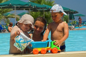 La piscina en kit con asistencia técnica ECONOMIA DEL 25% AL 40%